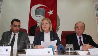 Ataturkcu Dusunce Dernegi (ADD) Genel Baskani Tansel Colasan (ortada), Malatya Ogretmeni'nde ADD subeleri yoneticiyle gerceklestirilen toplantida konustu